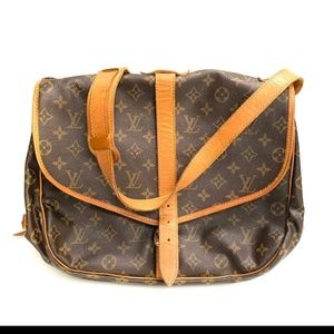 AUTHENTIC LOUIS VUITTON SAMUR 35